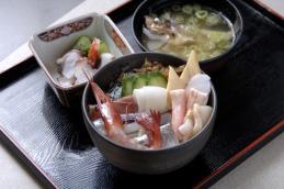 #14-のと海鮮丼 旬の物入り