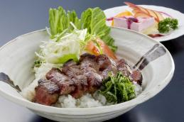 #15-ピッコロ ステーキ丼